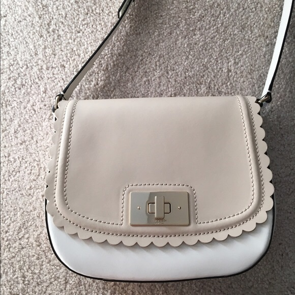 7a00ef4b9efe kate spade Handbags - Kate Spade scallop two time Seth crossbody bag